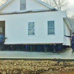 PA Amish men move entire building by hand [VIDEO]
