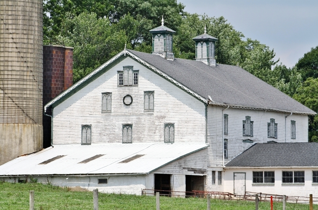 Barns & Farms of Lancaster County, PA