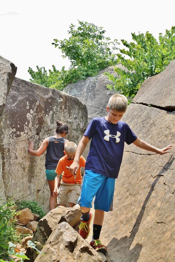 Kids Climbing Rocks Devils Den Gettysburg