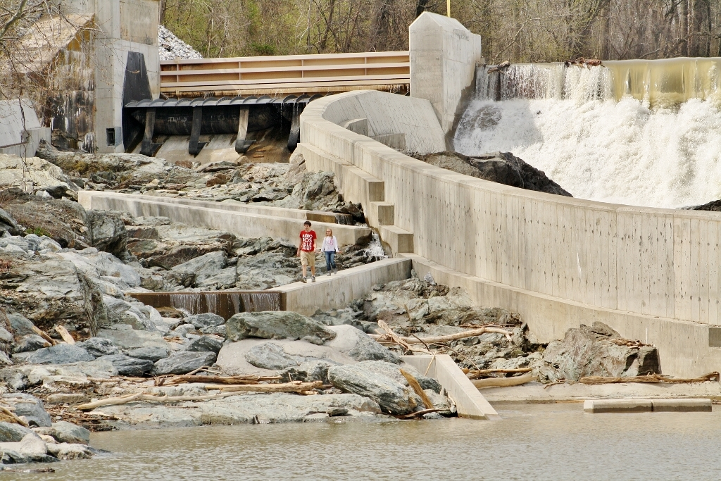 Spillway for the Holtwood Whitewater Park